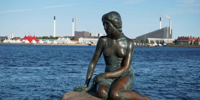 The Little Mermaid Statue (Den lille Havfrue)